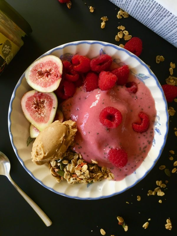 Strawberry smoothie bowl, granola, raspberries, figs