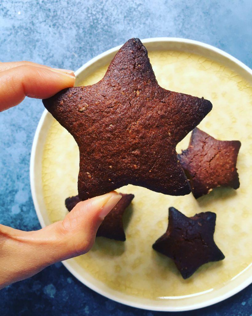 Cookies chocolat vegan étoile poudre d'amande et farine de coco